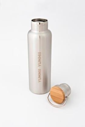Billede af Thermoflaske med trælåg Yummii Yummii